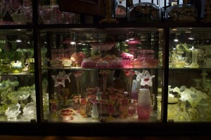 there were vast numbers of trinkets and turn of the century finery everywhere at the peranakan museum